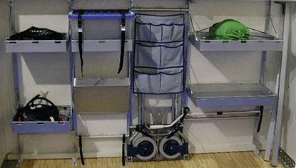 Regalni sistem za garaže v zadnjem delu vozila - modul za nadgradnjo